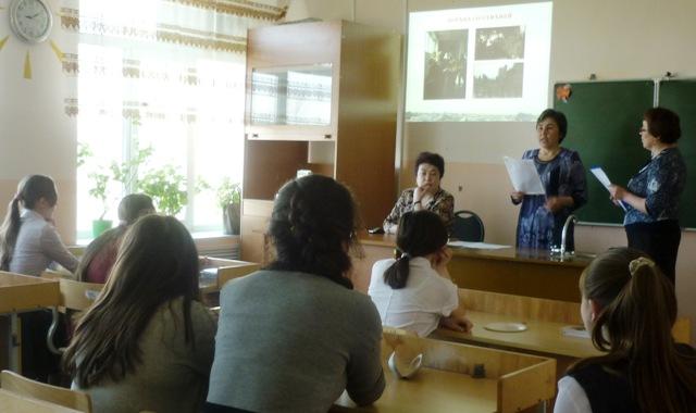 Показ презентации в Дегтяревской школе библиотекарями Дегтяревского и Тоболтуринского филиалов