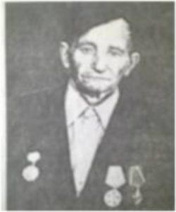 Шумилов Максим Андреевич. Родился в д. Карташи Овсянниковского сельского поселения. Был призван на фронт в декабре 1941 г. В одном из боев под Москвой был тяжело ранен.
