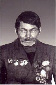 Кузнецов Федор Прохорович родился в д.Кузнецова Вагайского района Тюменской области 27 марта 1926 года. Призван в армию 07 ноября 1943 года. Был направлен в 17 окружную снайперскую школу. После окончания школы в июне 1944 года был направлен в 49 стрелковый полк 50 стрелковой дивизии. С июля 1944 года воевал на 2 Белорусском фронте в составе 169-го стрелкового полка 86-й стрелковой Тартусской дивизии автоматчиком. Был награжден медалью «За отвагу». 25 февраля 1944 года был ранен, а 2 февраля 1945 года был контужен. После победы по июнь 1950 года проходил службу в Германии. В мирное время награжден орденом «Отечественной войны I степени», медалями «За победу над Германией», «За взятие Кенигсберга», юбилейными медалями.