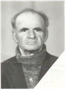 Окружков Василий Васильевич родился в д.Нефедьево Тобольского района Тюменской области 14 января 1930 года. Был призван из д.Нефедьево в 1952 году на границу с Китаем. Служил в Китае, участвовал в русско-японской войне. После войны работал в колхозе. В 70-х годах работал в Межколхозстрое электриком. Умер 17 декабря 1995 года и похоронен на кладбище п.Сетово.