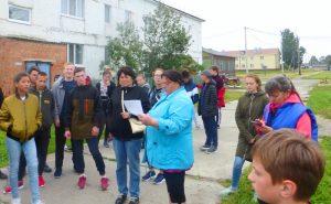 Е. В. Осипкина проводит экскурсию по п.Сетово