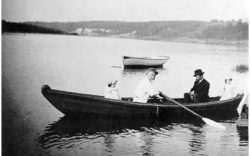 Василий Поленов на лодке